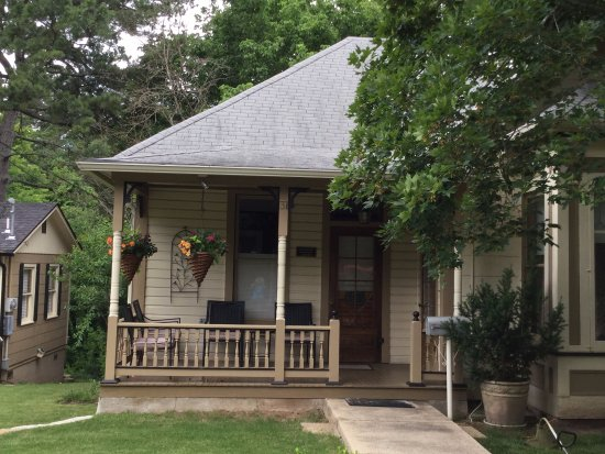 victoria house front porch picture of heartstone inn and cottages rh tripadvisor com