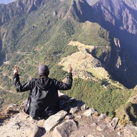 Huayna Picchu: La caminata es dura, las escaleras a ratos dan miedo pero llegar a la cima y tener todo ese para