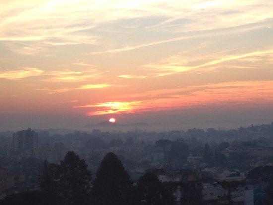 Uruguay: Nascer do sol vista do apto. do 12º andar do Hotel Frontier em Rivera - Uruguai