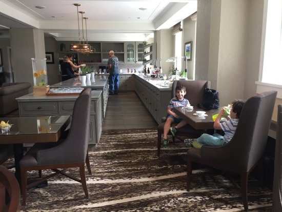 Gold Lounge Picture Of Fairmont Banff Springs Tripadvisor