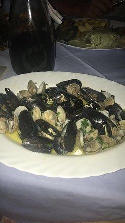 Mendula Restaurant: photo0.jpg