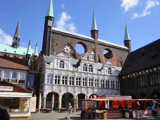 Ratskeller: ドイツ北部では最も美しいといわれる市庁舎の地下にラーツ・ケラーはあります