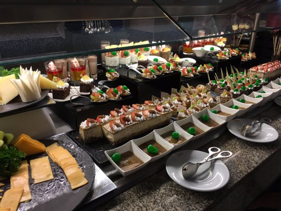 Hotel Riu Palace Cabo San Lucas: Some of the many options at the buffet