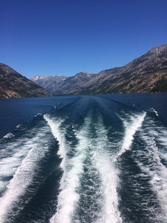 Stehekin Valley Ranch: View of lake while travelling on ferry.