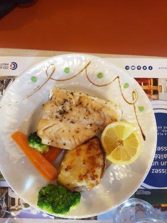 Hotel Bollaert : Le plat à base de poisson et son accompagnement