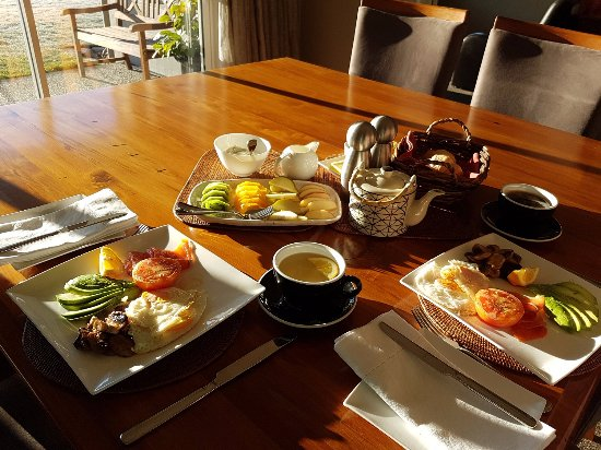 Riverview Terrace: Gourmet breakfast made to order