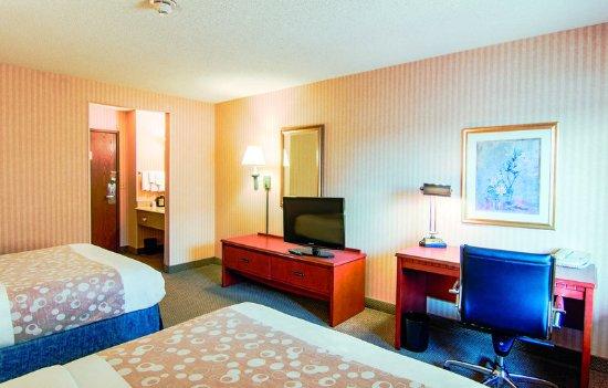 Matteson, IL: Guest Room