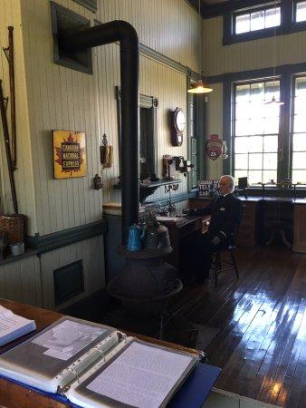 Elmira, Kanada: Ticket office at train station