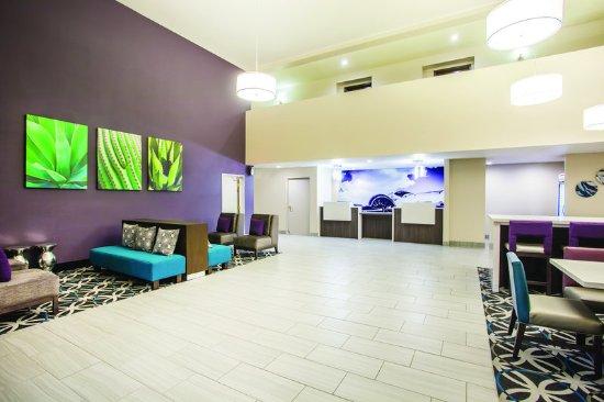 La Quinta Inn Las Vegas Nellis: LobbyView