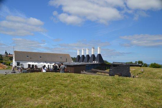 Rogeriet i Svaneke: The Smokehouse in Svaneke with 5 chimneys