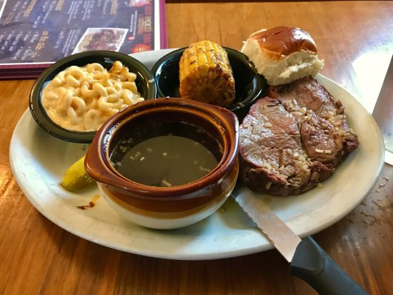 Mountain Home, AR: The Friday night prime rib special doesn't disappoint! Lean and tender beef.