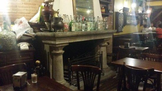 Urda, Spain: Inside, Fireplace