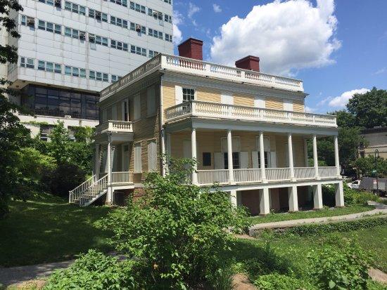 Alexander Hamilton House: photo0.jpg