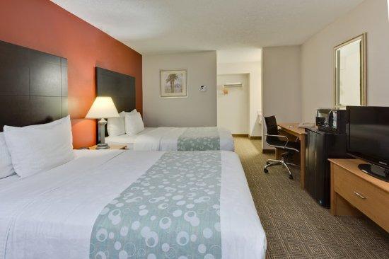 la quinta inn tampa near busch gardens updated 2017. Black Bedroom Furniture Sets. Home Design Ideas