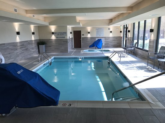 Hendersonville, TN: Indoor Pool and Hot Tub