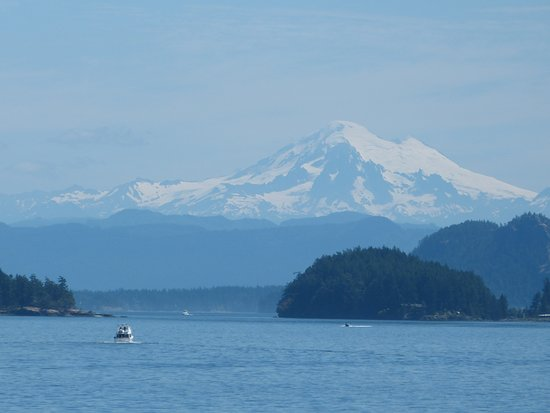 San Juan Classic Day Sailing: The View of Mt Baker