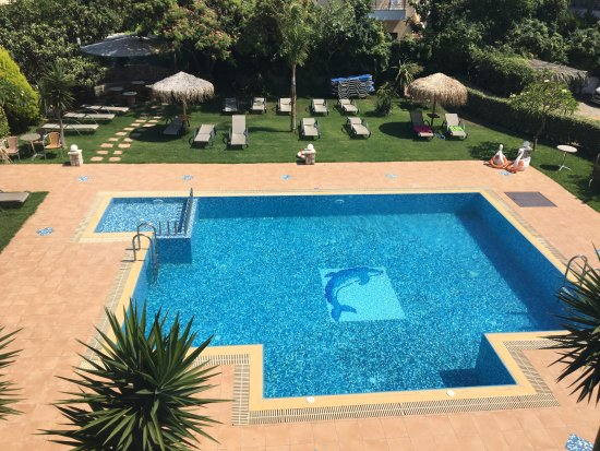 Relax Apartments & Studios: Swimming Pool View..