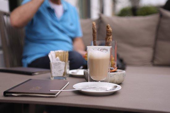 Café Condi im Hotel Vier Jahreszeiten: photo3.jpg
