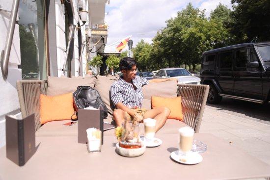 Café Condi im Hotel Vier Jahreszeiten: photo4.jpg