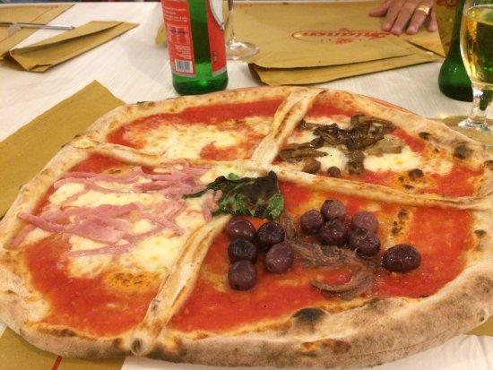 pizza quattro stagioni picture of pizzeria trianon da. Black Bedroom Furniture Sets. Home Design Ideas