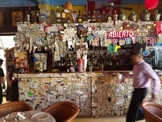 Tequila's Sunrise Bar & Grill: Bar area inside