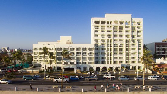 Hotel Don Pelayo Pacific Beach: Fachada general.