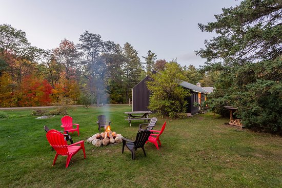 ADK Trail Inn: Guests love our evening bonfires (seasonal)