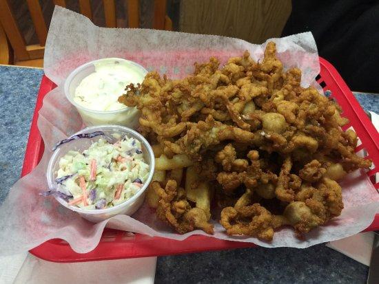 บรูเออร์, เมน: Awesome food at Eagle's Nest