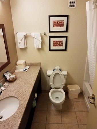 เฮย์ติ, มิสซูรี่: Clean bathroom