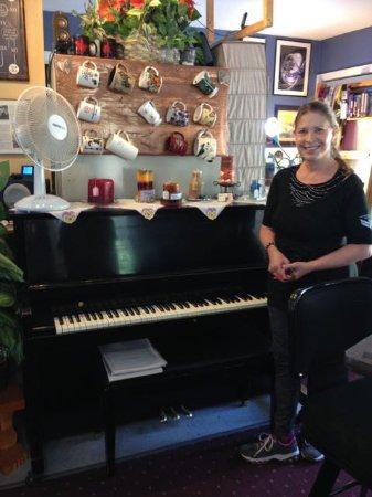 Guffey, Κολοράντο: Geordi with her piano