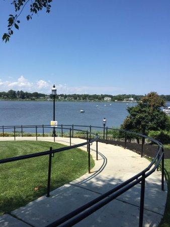 Riverside Gardens Park: photo3.jpg