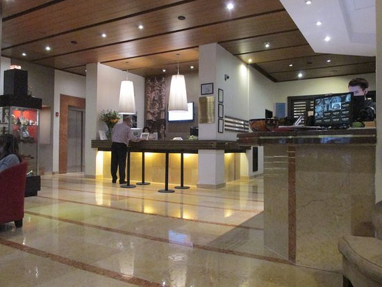 Reception and concierge at Hotel Catedral.