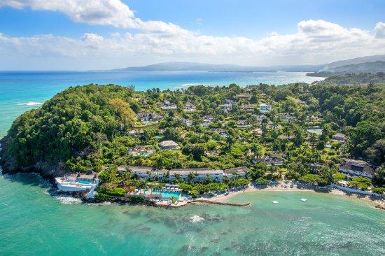 Round Hill Hotel & Villas: Aerial View