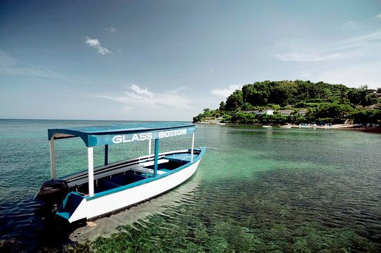 ‪‪Round Hill Hotel & Villas‬: Round Hill & Glass Bottom Boat‬