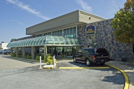 SureStay Plus Brandywine Valley Inn: Exterior
