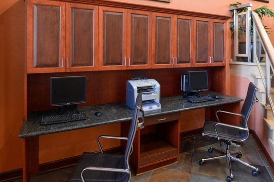 Holiday Inn Express Clearwater East - Icot Center: Guest Business Center