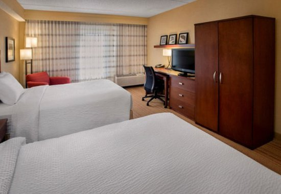 Milford, MA: Double/Double Guest Room