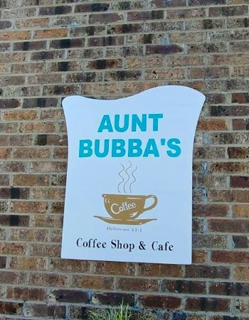 West Liberty, KY: Aunt Bubba's