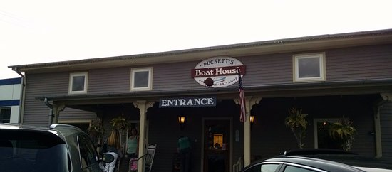 Puckett's Boat House: Puckett's entrance