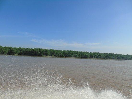 Hai Phong, Vietnam: Hydrofoil to Cat Ba island