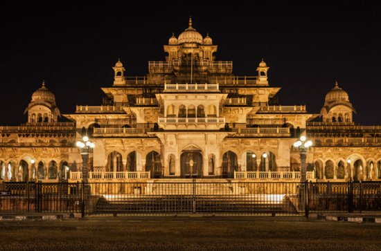 Private Nacht Tour von Iconic Jaipur ...