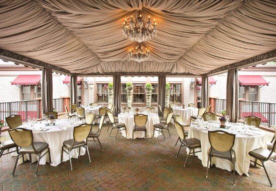 Grand Bohemian Hotel Asheville, Autograph Collection: Tyrolean Terrace - Banquet Setup