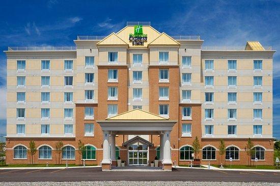 Bowmanville, Kanada: Hotel Exterior