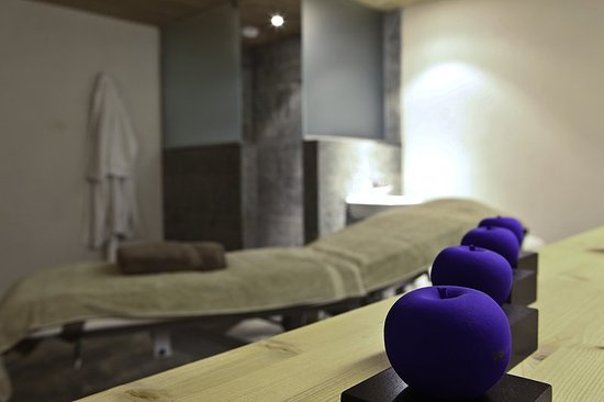 Relais & Chateaux Flocons de Sel: Massage  services
