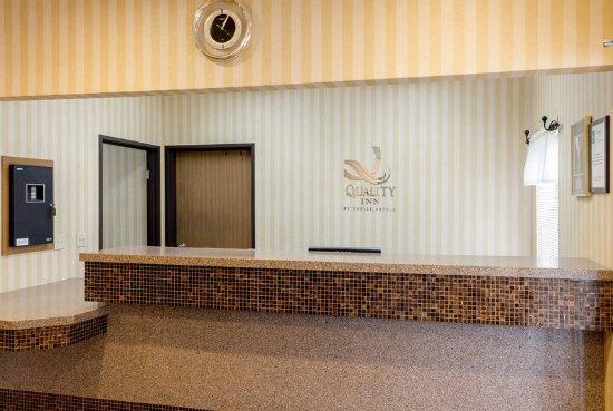 บรุกกิงส์, เซาท์ดาโคตา: Front Desk