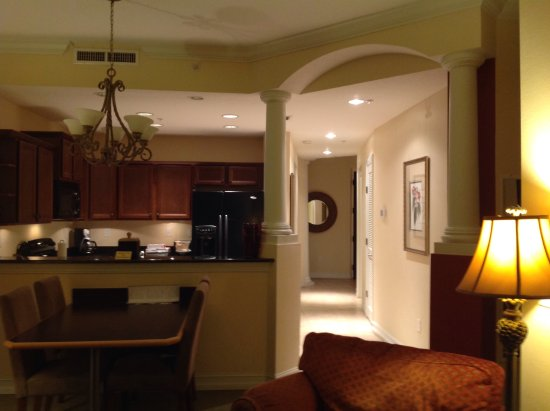 Emerald Greens Condo Resort: Crown molding and beautiful detail at every turn. View from den toward front door.