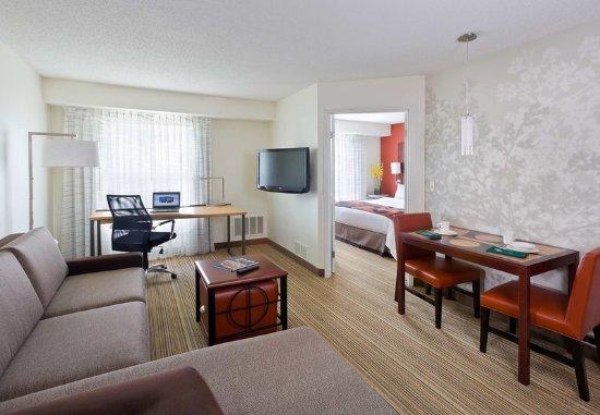 The Woodlands, TX: One-Bedroom Suite