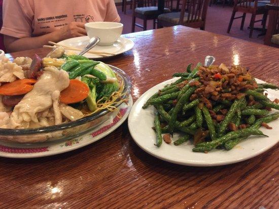 ปรินซ์จอร์จ, แคนาดา: Cantonese noodles , green beans and spicy pork