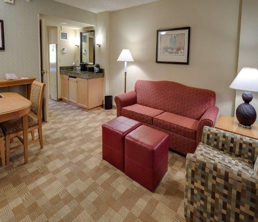 San Rafael, كاليفورنيا: Corner Suite Living