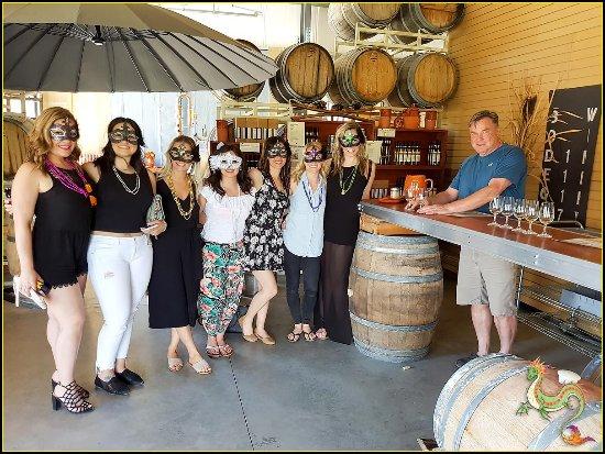 Саммерлэнд, Канада: Alois Entertains Bachelorette at Estate Thurn Bodega Winery